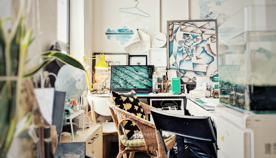 Are untidy desks really making us unproductive?